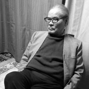 山森ススム氏近影。現在は地元・京都にて螺鈿職人として活躍されている。