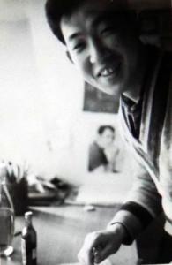 少年時代のK・元美津氏。いたずらっぽい笑顔で。(写真は山森氏のアルバムより)