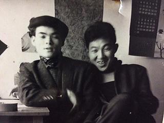 山森ススム氏とK・元美津氏。(写真は山森氏のアルバムより)